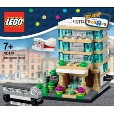 Bricktober Hotel - ToysRus...